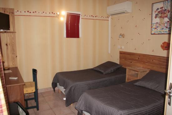 Fos-Sur-Mer, Francia: chambre lit jumeaux