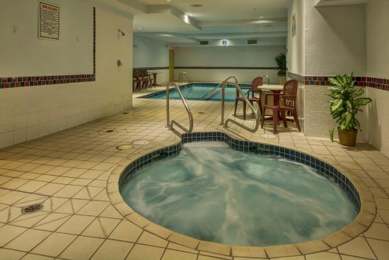 Best Western Peace Arch Inn: Indoor pool and hot tub