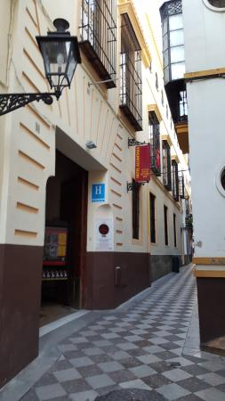 Hotel Alcantara: The front of the hotel