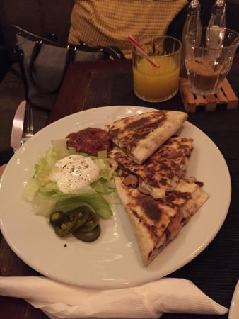 Chili Bar : Csirkés quesadilla