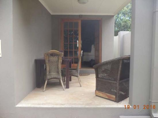 Bali Biasa Guesthouse: Veranda