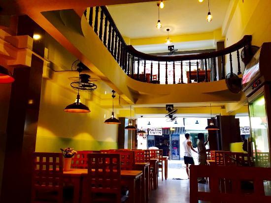 Royal Saigon Restaurant & Luesthouse: Restaurant area
