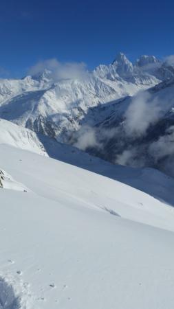 Chamonix Sport Aventure: untouched pow pow