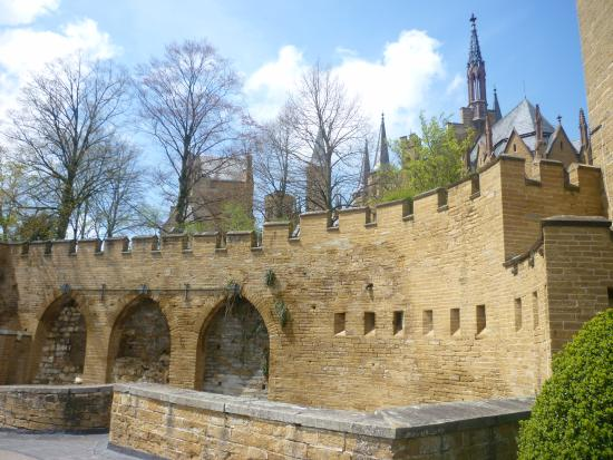 Castle of Hohenzollern: Cour intérieur/court yard