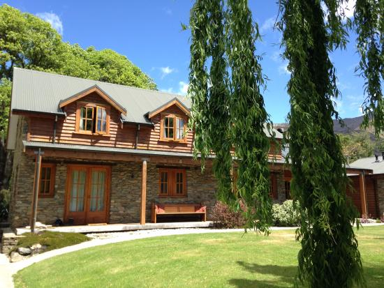 Wanaka Homestead Lodge and Cottages: buiten aanzicht