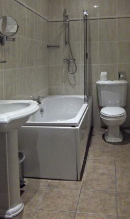 Kelham, UK: Large Bathroom, Room 5
