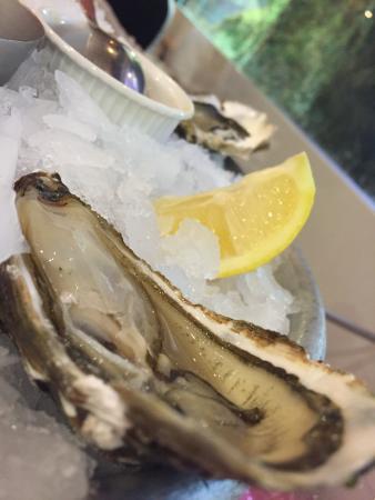 Moissy-Cramayel, Prancis: Great oysters!