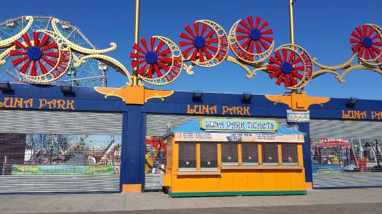 halloween harvest at luna park in coney island luna park offers family friendly events filled with tons of activities entertainment