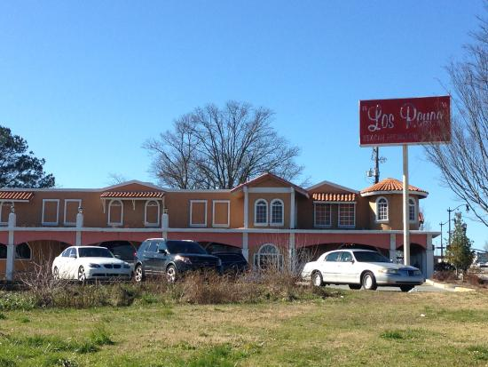 From roswell rd picture of los reyes mexican restaurant for Cabins near marietta ga