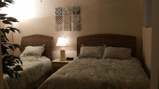 Madeira Vista Condominiums: All condos have 2 bedrooms