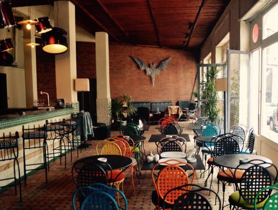 Bistrot salon de th photo de le vertigo casablanca for 18 8 salon locations