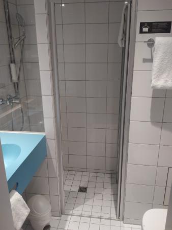 Prizeotel Hamburg City: Badezimmer