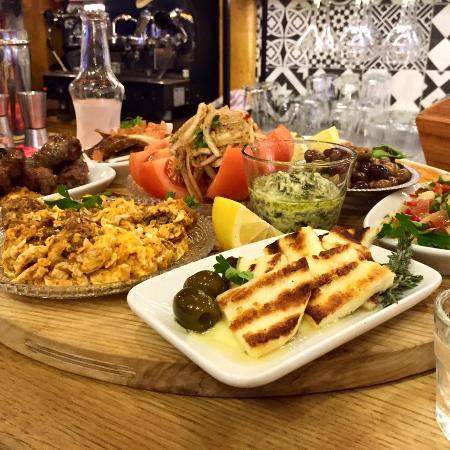 Photo of Greek Restaurant Esperanto at Επταλόφου 14, Thessaloniki 54454, Greece