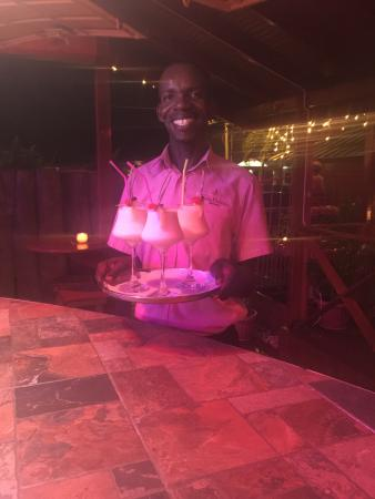 Bon Accord, Tobago: Service with a smile