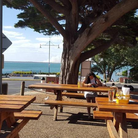 Cowes, Australia: Outside view