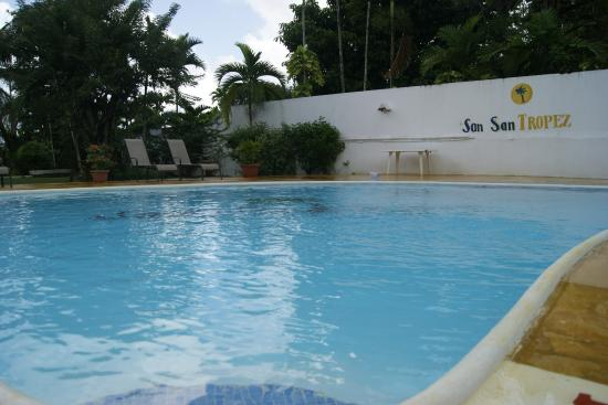 San San Tropez Villa-Hotel: Swimming Pool