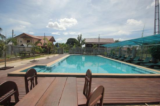 Little Eden: The swimming pool