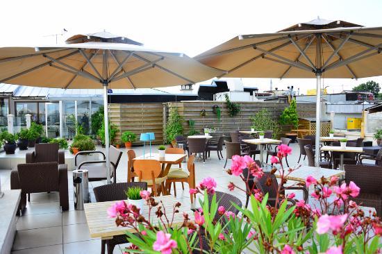 Neorion Hotel: Dachterrasse möbliert