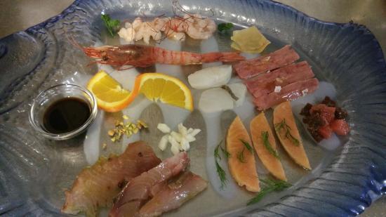 Рокка-Гримальда, Италия: crudo di pesce