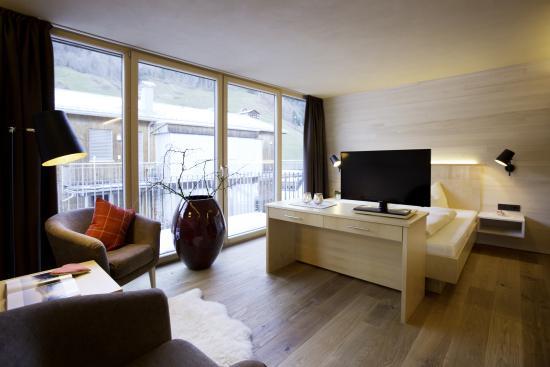 n Apartments Hotel: n apartments