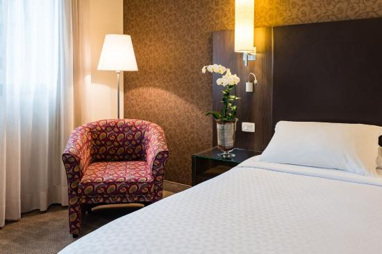 Four Points by Sheraton Curitiba: Apartamento Luxo
