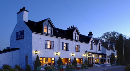 Airds Hotel & Restaurant: Hotel at Dusk
