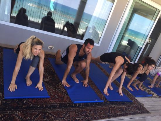 Sea Executive Suites: Yoga Class