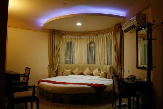 Pictures of Hotel Crystal Park Inn - Mysuru (Mysore) Photos