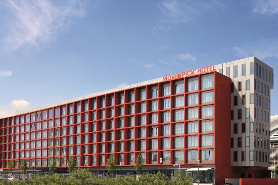 Photo of Moevenpick Hotel Frankfurt Am Main City