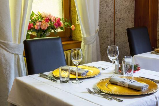 Restaurant photo de la tete des faux restaurant for La vecchia roma ristorante roma
