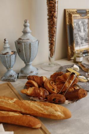 Côte Lourmarin : Petit dejeuner