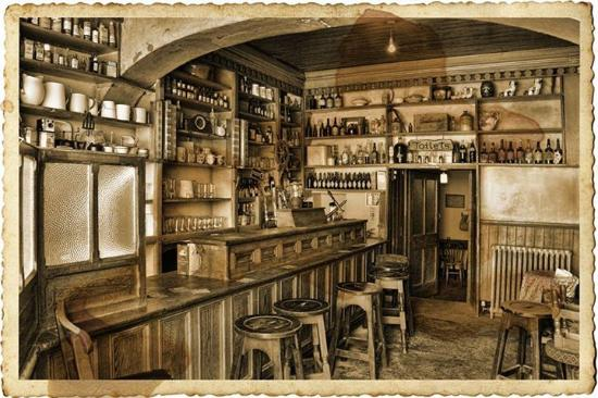 Luker 'Old World' Bar, Shannonbridge