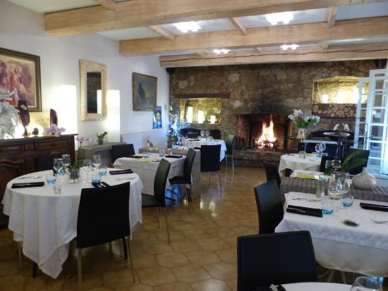 Auberge Pierrot: salle a manger