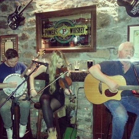 Shannonbridge, ไอร์แลนด์: Trad Session