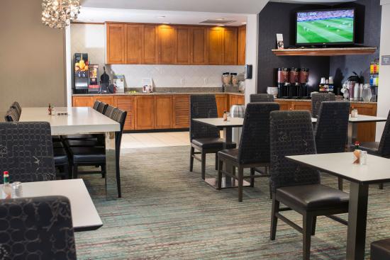 Residence Inn Paducah: Breakfast