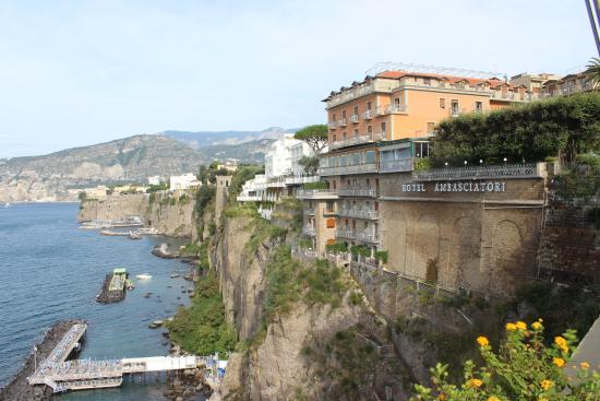 Grand Hotel Ambasciatori: View from outdoor restaurant