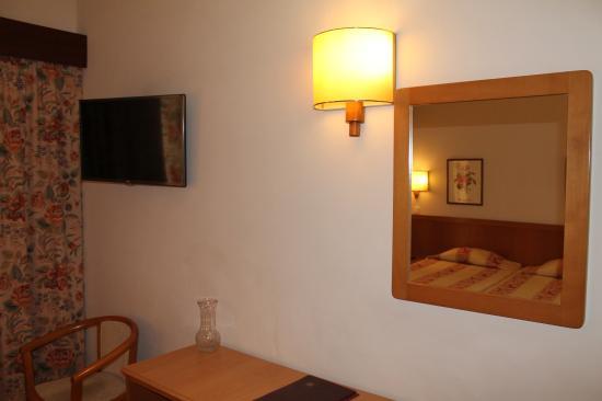 Do Centro Hotel: Room