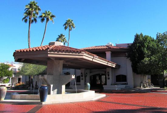 Scottsdale Camelback Resort: Front Entrance