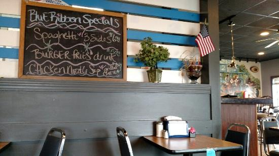 Sallisaw, OK: Small, cozy, home style restaurant with great food!