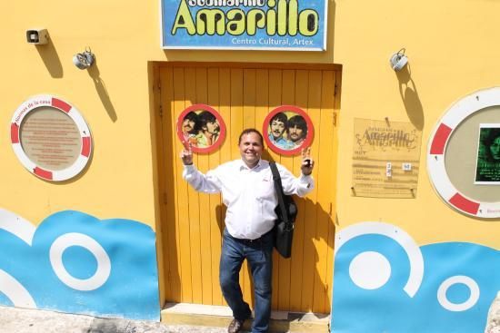 Centro Cultural Submarino Amarillo