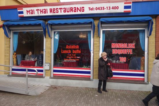 Klippan, Swedia: Mai Thai restaurangen hade fönster ut mot Storgatan,.