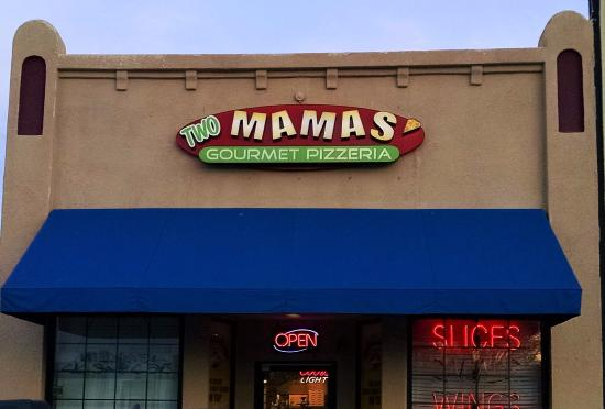 Two Mamas' Gourmet Pizzaria