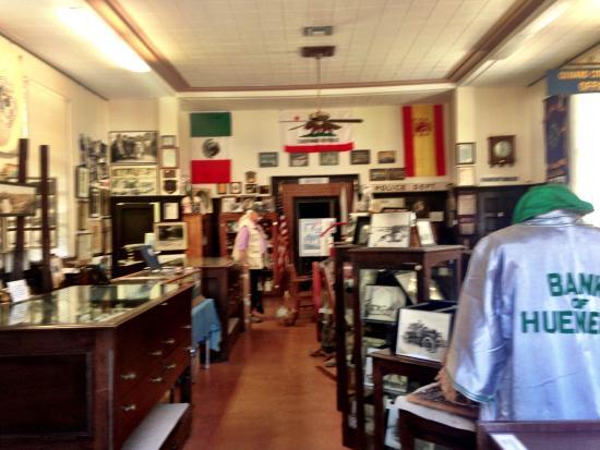 Port Hueneme, Kalifornien: Interior of Museum looking toward vault