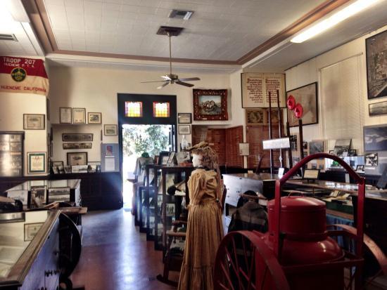 Port Hueneme, Kalifornien: Interior of Museum looking toward door
