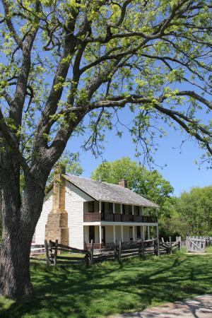 Garfield, AR: Elkhorn Tavern