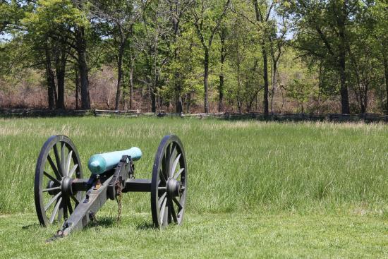 Garfield, AR: Union Cannon at Leetown Battlefield