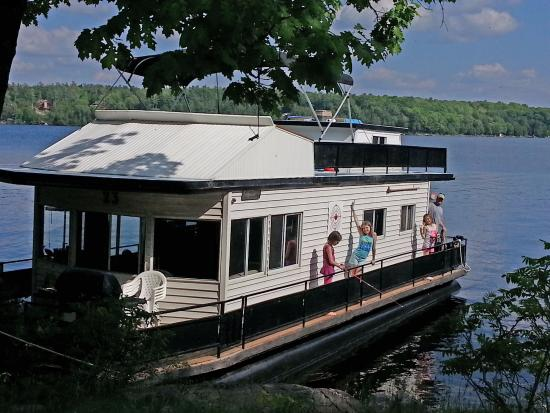 Bobcaygeon, แคนาดา: Family vacation with Happy Days Houseboats, 2015