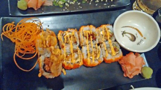 Rotonda West, FL: Yummy Spider Rolls with Soft shell Crab Tempura & avocado