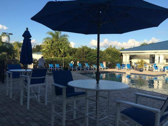 Silver Palms RV Resort: Pool &Poolside bar/restaurant