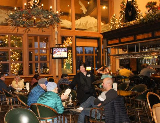 Logan's Bar & Grill: Logan's Bar